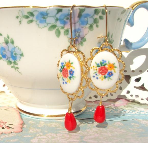 Juliette Earrings - Vintage Flower Earrings