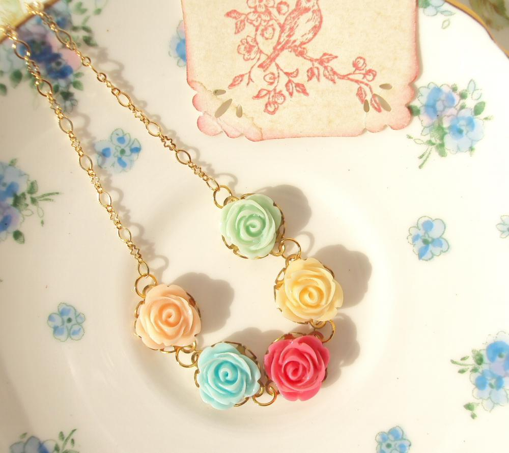 Beyond The Rainbow - Flower Necklace 16k Gold